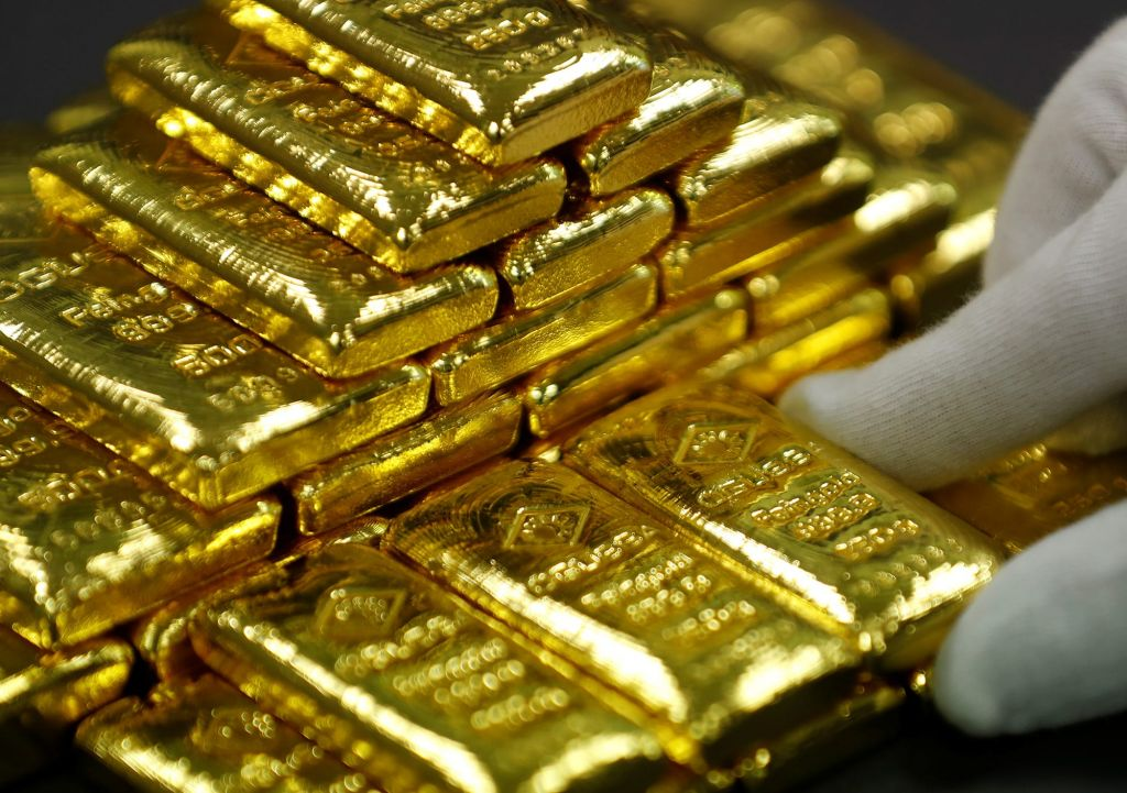 In February reserve banks included 36 lots of gold to books 1
