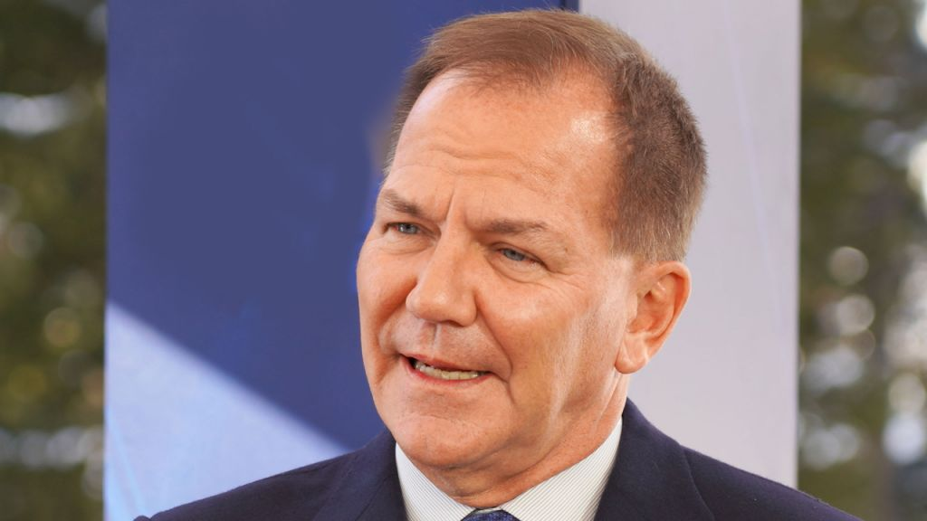 Popular Bush Fund Supervisor Paul Tudor Jones: 'Bitcoin Advises Me of Gold Back in 1976' 10