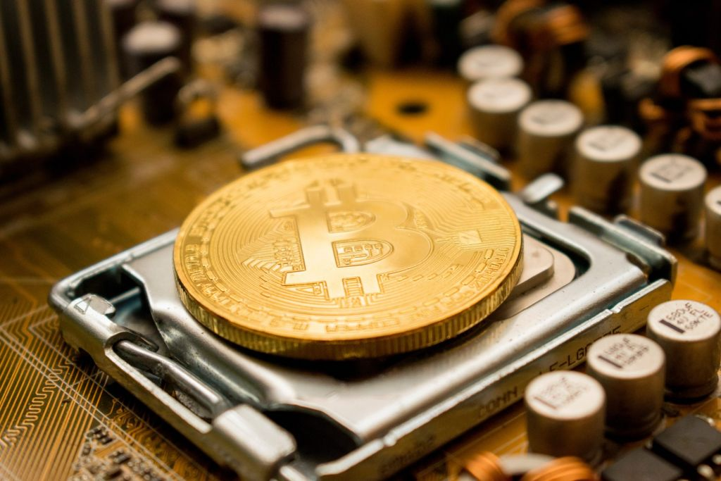 2 Chinese Firms Managing 52% of Bitcoin Hash Price Leaves Decentralization concerned 10