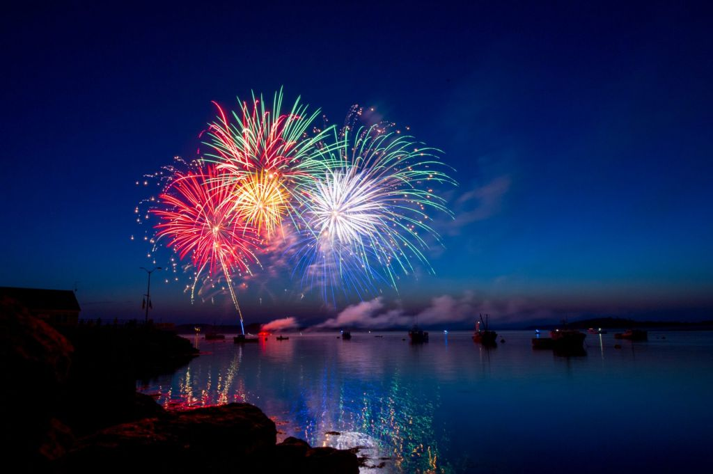 Bitcoin Simply Hit a Essential Trendline; Analysts Count on Imminent Fireworks 1