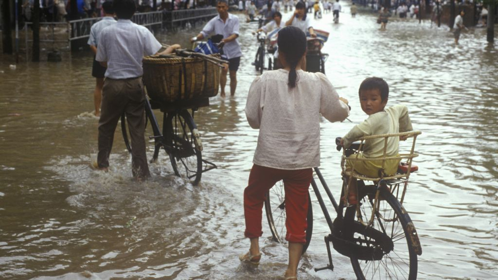 Extreme Flooding in Sichuan Causes 20% Hashrate Losses for Chinese Bitcoin Miners 1
