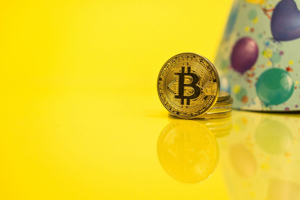 Bitcoin To Commemorate 12-Year Whitepaper Wedding Anniversary With Regular Monthly Close Over $12K 7