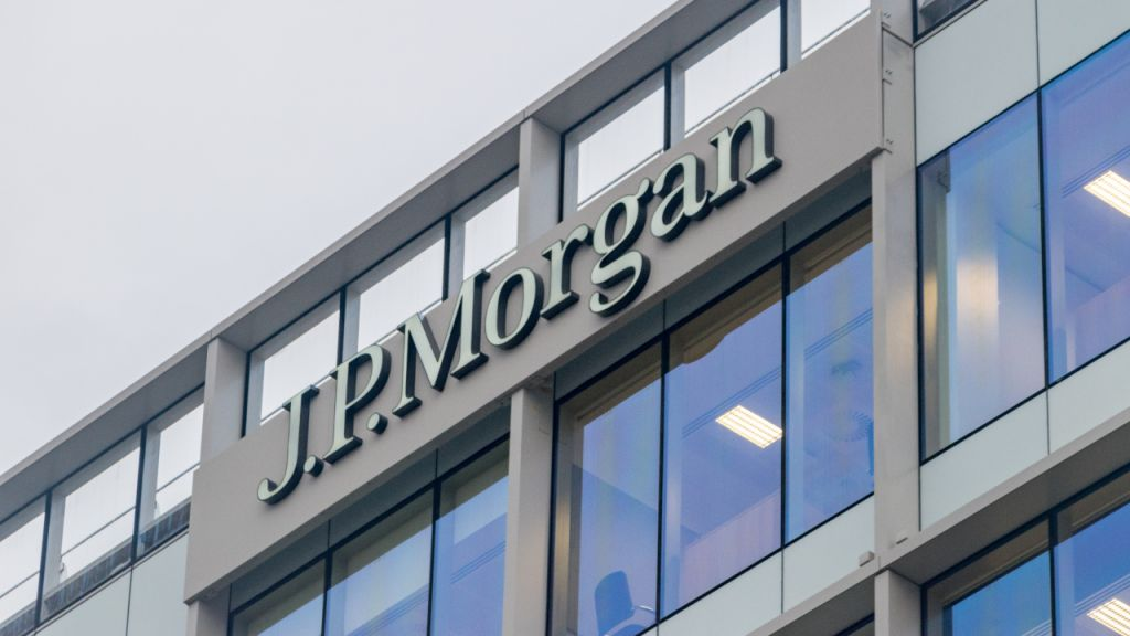 JPMorgan's Evaluation Reveals Institutional Investors Relocating From Gold ETFs to Bitcoin 10