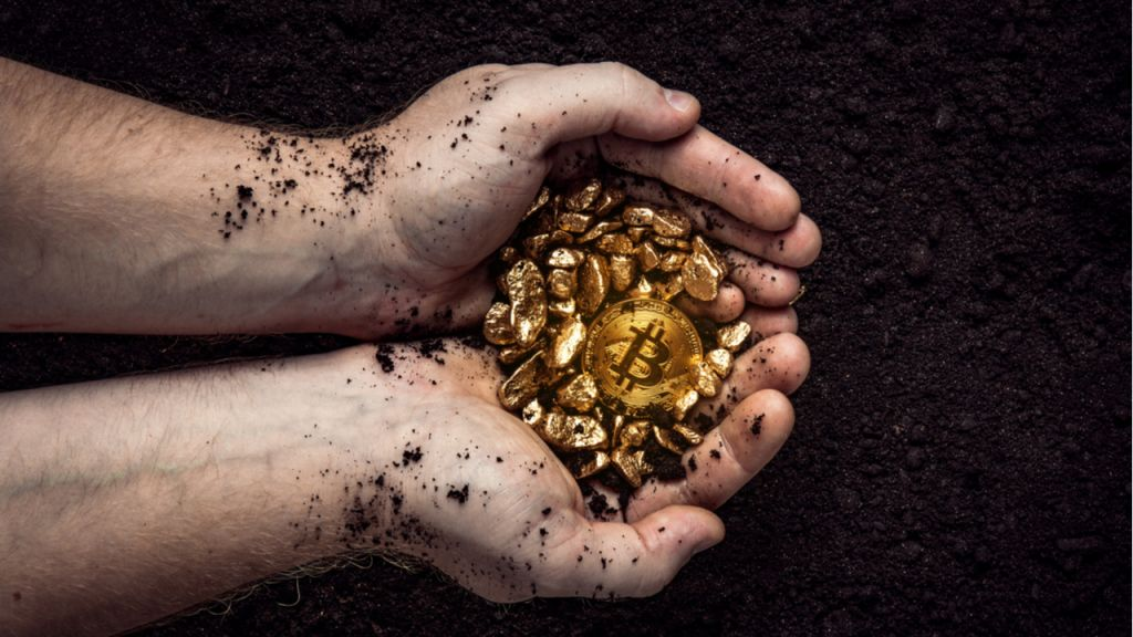 Chinese State Media Shocks With Projection of Bitcoin Outshining Gold 1