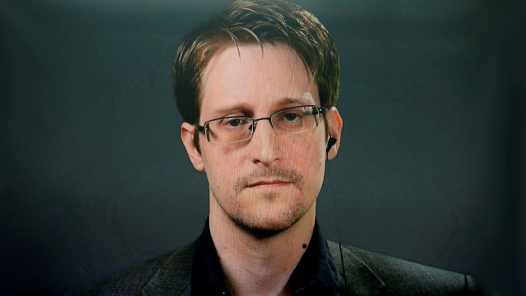 Snowden Puzzled by Bitcoin's Absence of Scaling as well as Personal Privacy, States Devs 'Had Years to Do It' 1