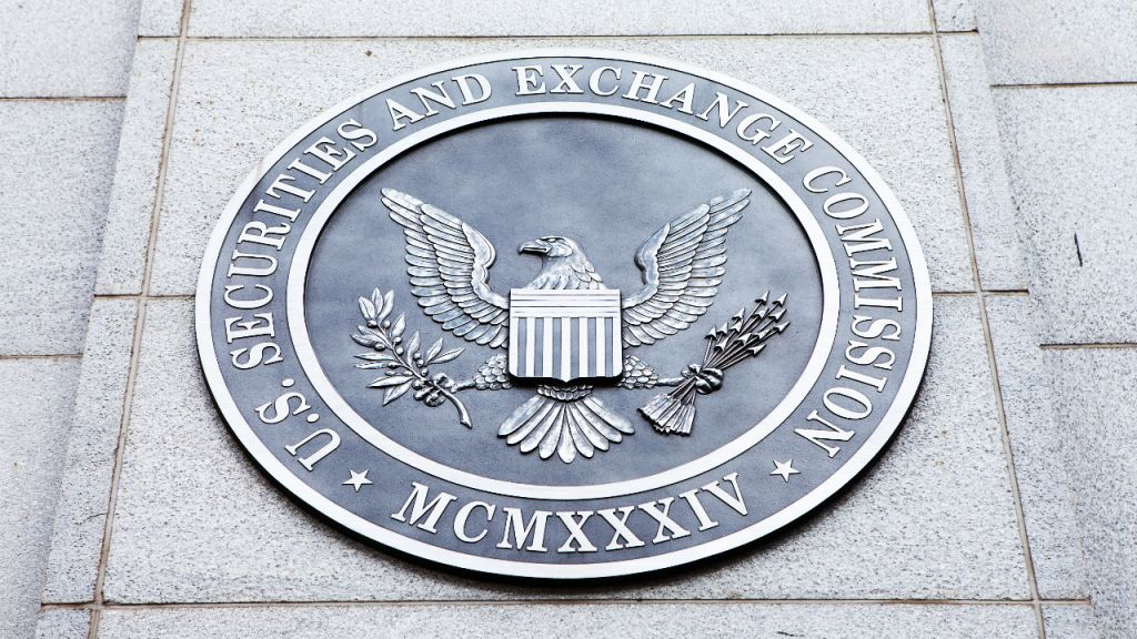 JP Morgan Warns of Dropping BTC Price With Bitcoin ETF Authorization in United States 4