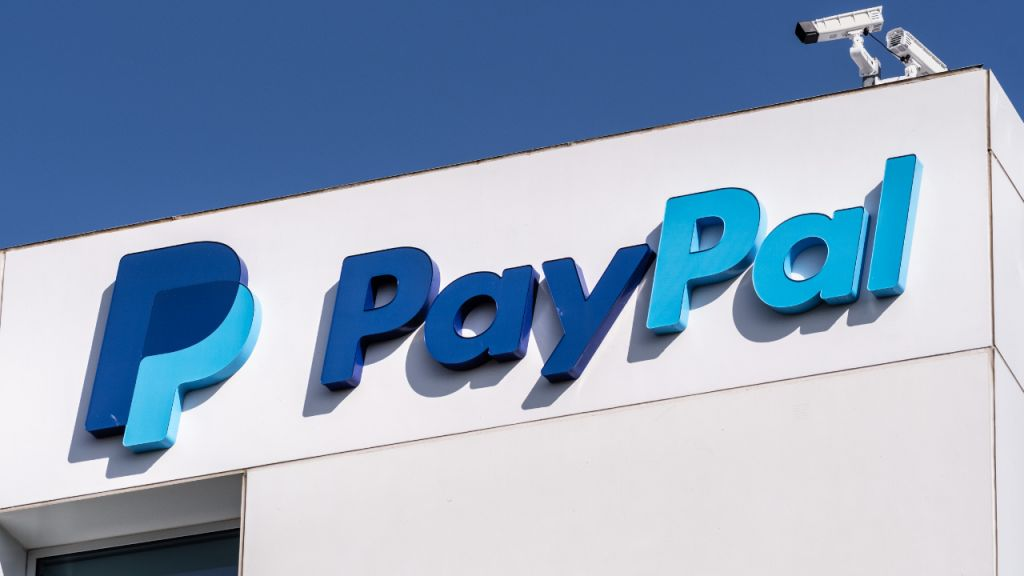 Paypal to Make $2 Billion in Profits From Its Bitcoin Organization, States Expert 11