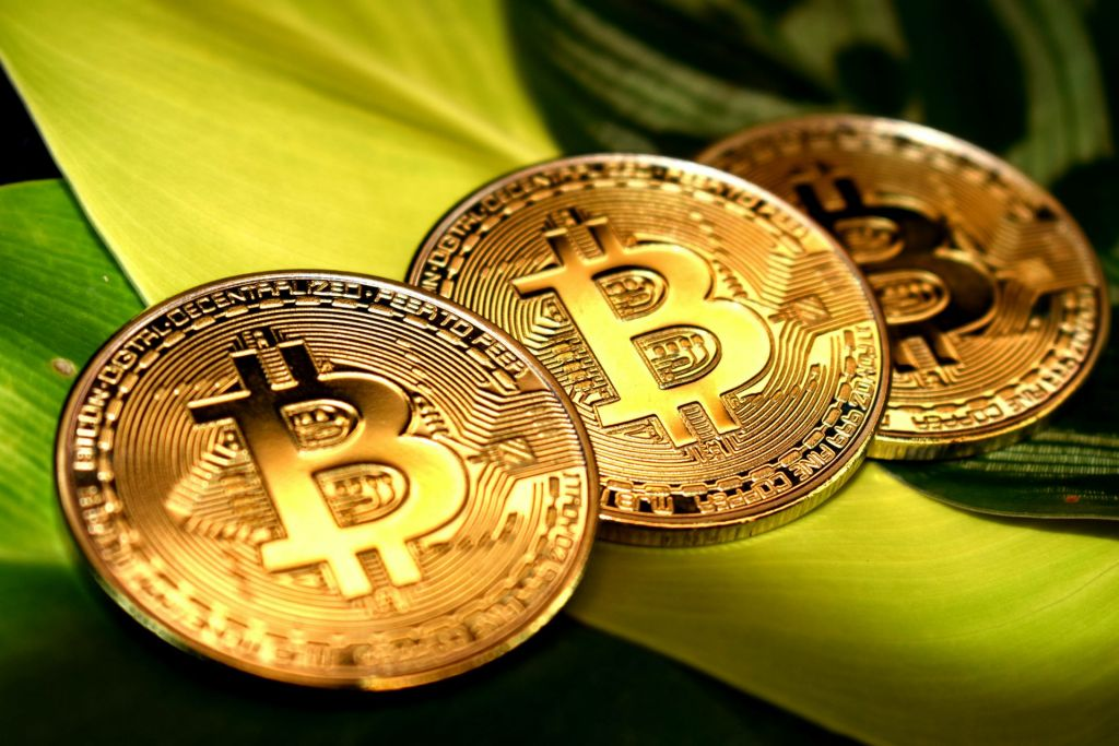 Bitcoin Recovers $1 Trillion Market Cap: What remains in Shop? 1
