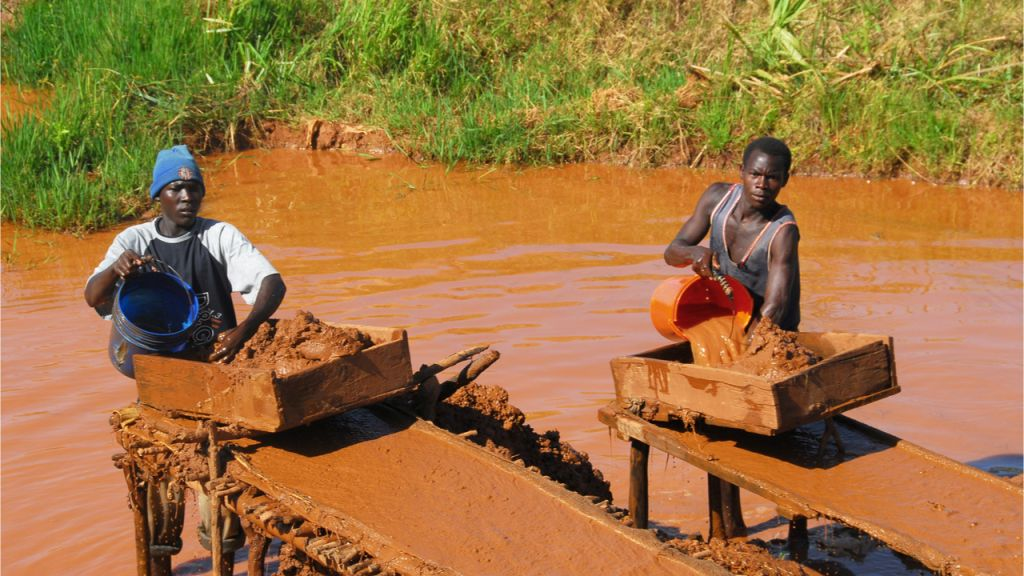 Contrasting real Prices of Gold Mining in Africa With Those of Bitcoin Mining-- Op-Ed Bitcoin Information 1