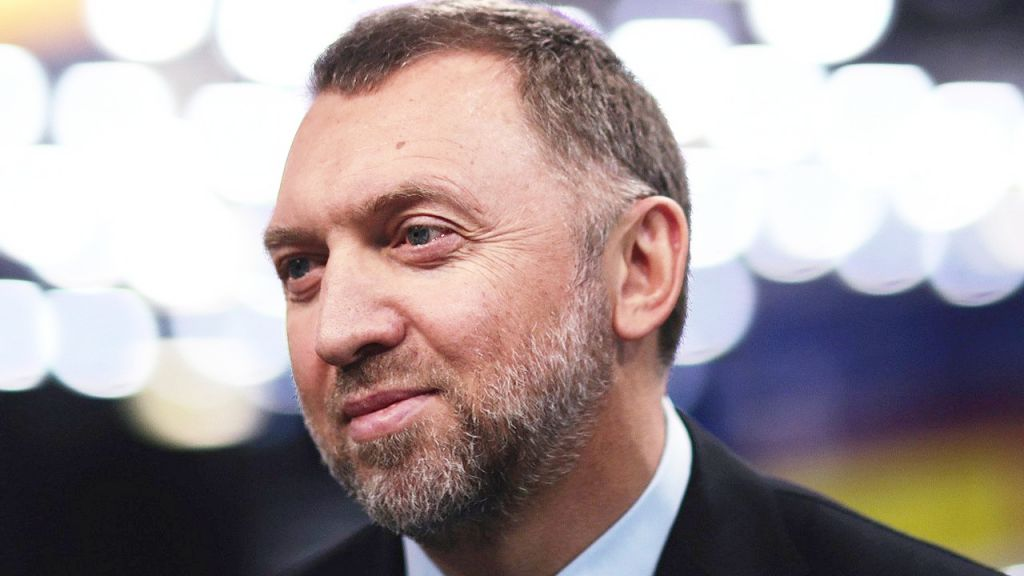 Russian Billionaire Bangs Reserve bank's Crypto Plan, Claims Also El Salvador Understands the Requirement for Bitcoin-- Included Bitcoin Information 1