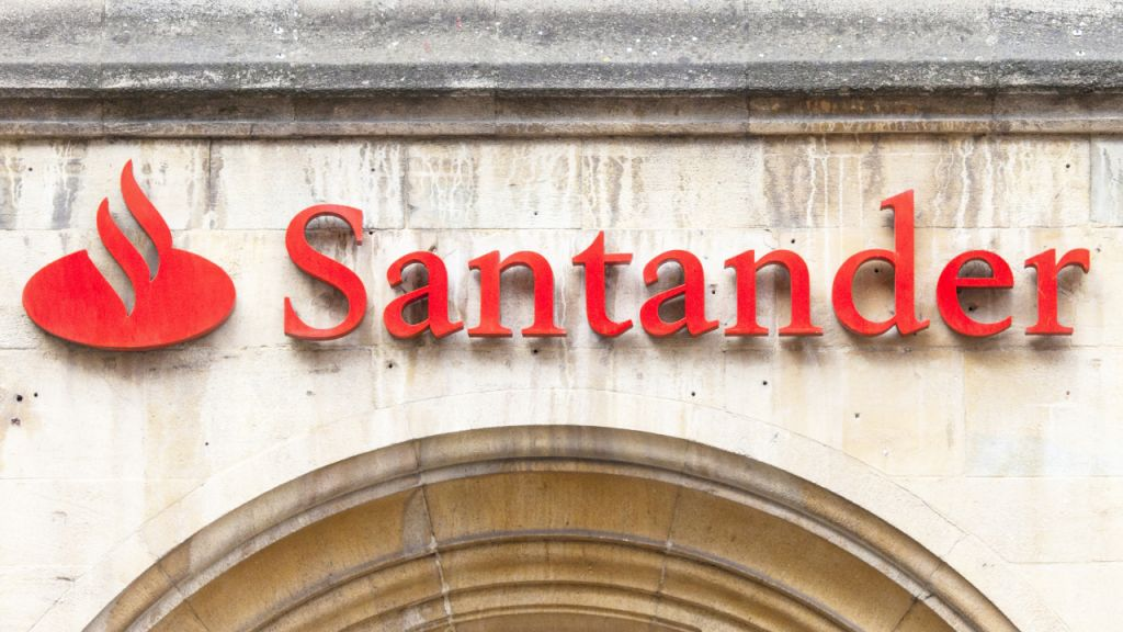 After Barclays, Santander Financial Institution Blocks Settlements to Binance in UK Pointing Out Client Security-- Bitcoin Information 1