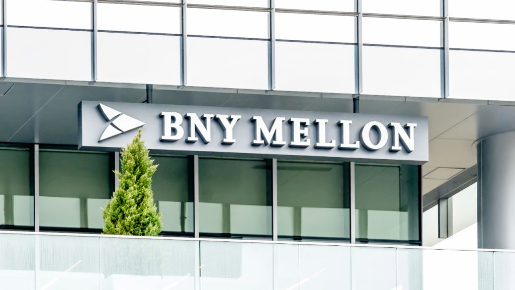 Earliest United States Financial Institution BNY Mellon to Supply Grayscale Bitcoin Count On With Property Maintenance and also ETF Providers-- Financing Bitcoin Information 1