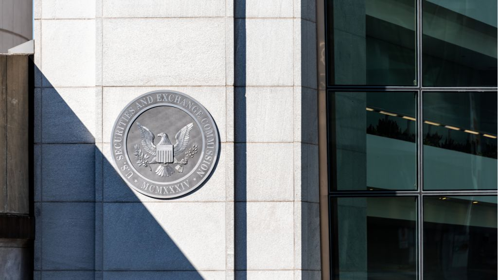 SEC Fees 3 People for Alleged Long Blockchain Expert Trading Plan-- Policy Bitcoin Information 1