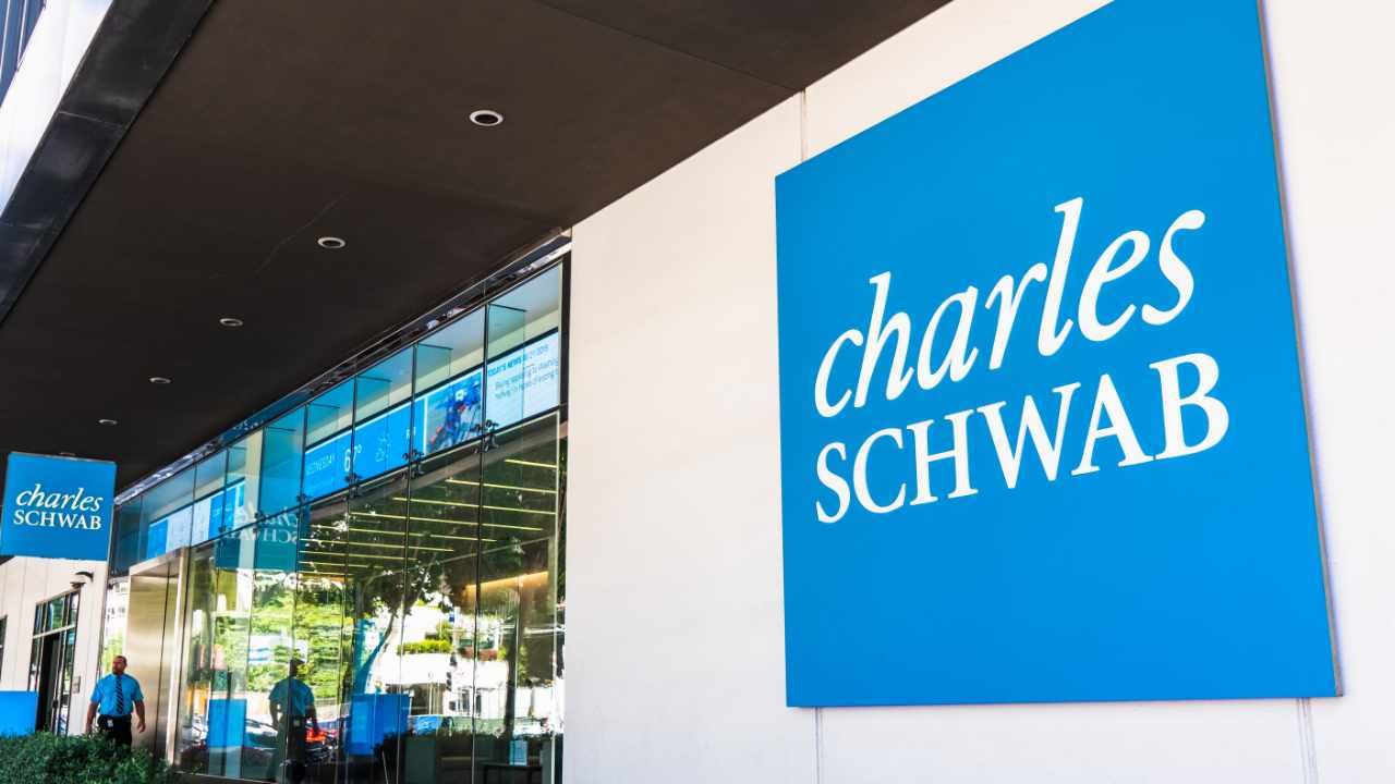 Charles Schwab Planner Skeptical of Crypto-- Places Belief in Financial System, Federal Get-- Included Bitcoin Information 1