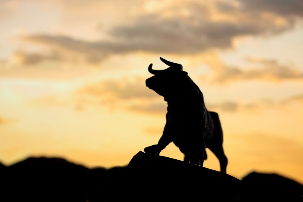 Complete Crypto Market Cap Reenters Month-to-month RSI Bull Zone 1