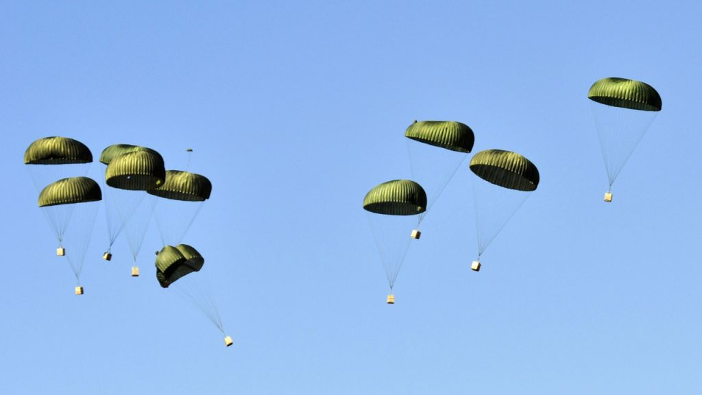 Dydx Method Opens Airdrop Incentives; Individuals Rise to $50K-- Bitcoin Information 1