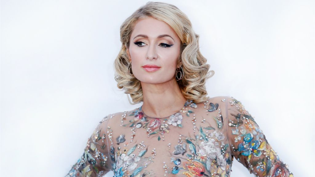 Paris Hilton Notes a Couple Of Parts From Her NFT Collection by means of Sotheby's Metaverse Industry-- Bitcoin Information 1